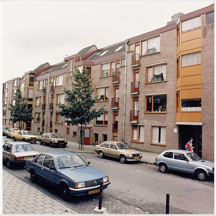 Nieuwbouwappartementen in de Commelinstraat in de jaren 80