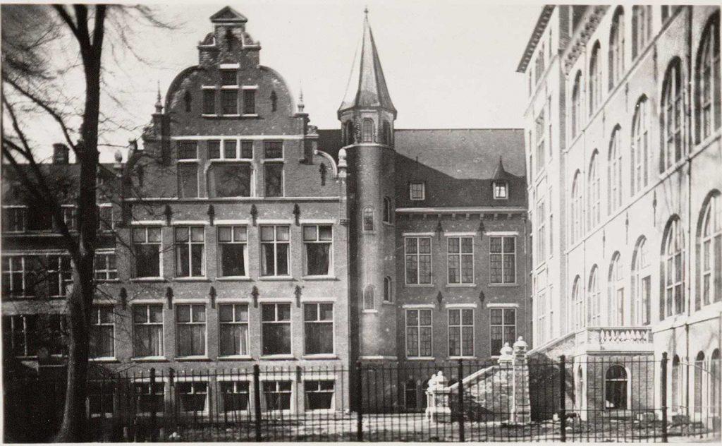 Achterzijde KIT met potloodvormig torentje