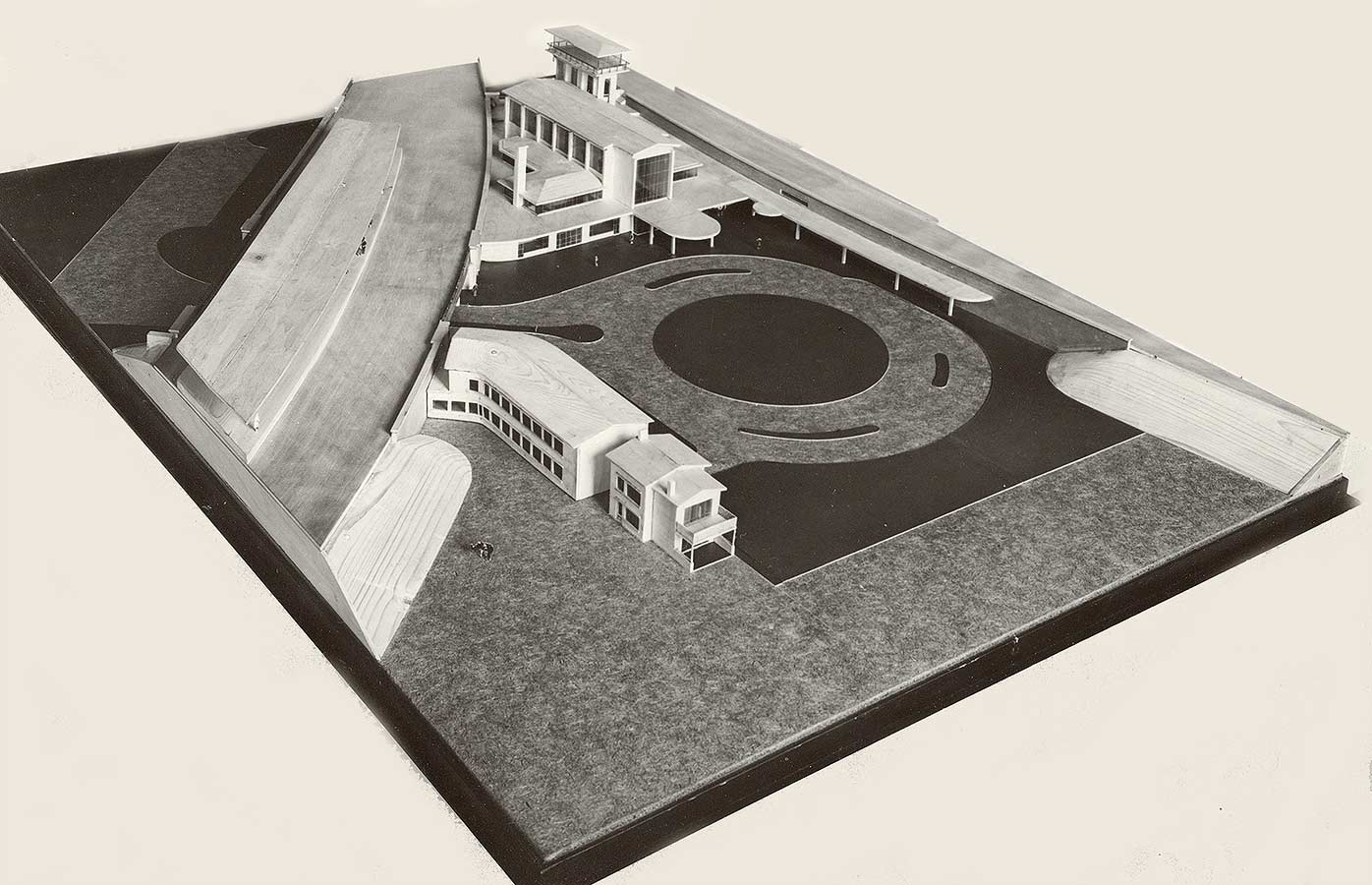 Maquette Muiderpoortstation met op voorgrond rechts het Oostspoorplein