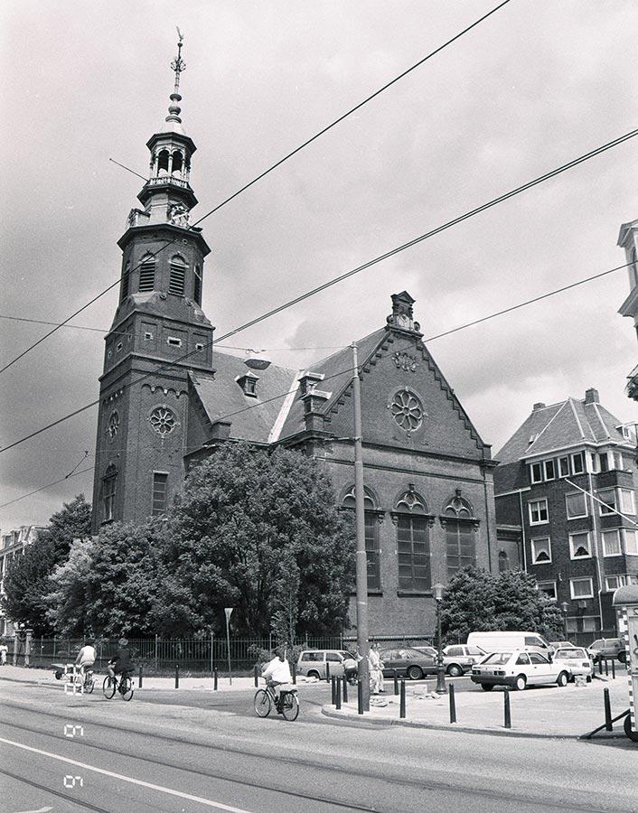 Muiderkerk 1 jaar voor de verwoestende brand