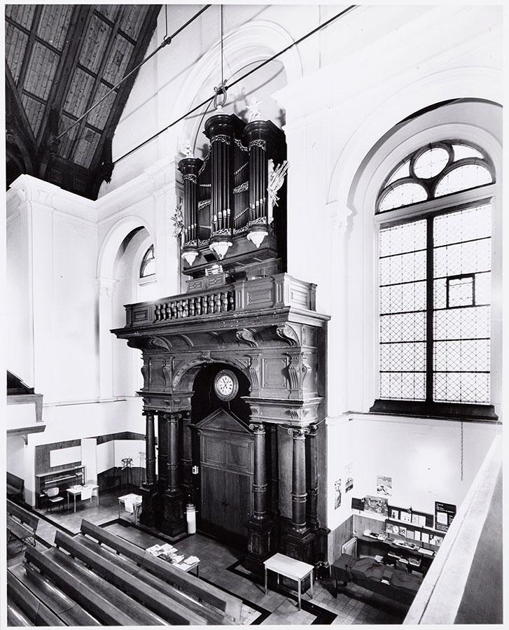 Orgel in Muiderkerk vanaf zijbalkon gefotografeerd