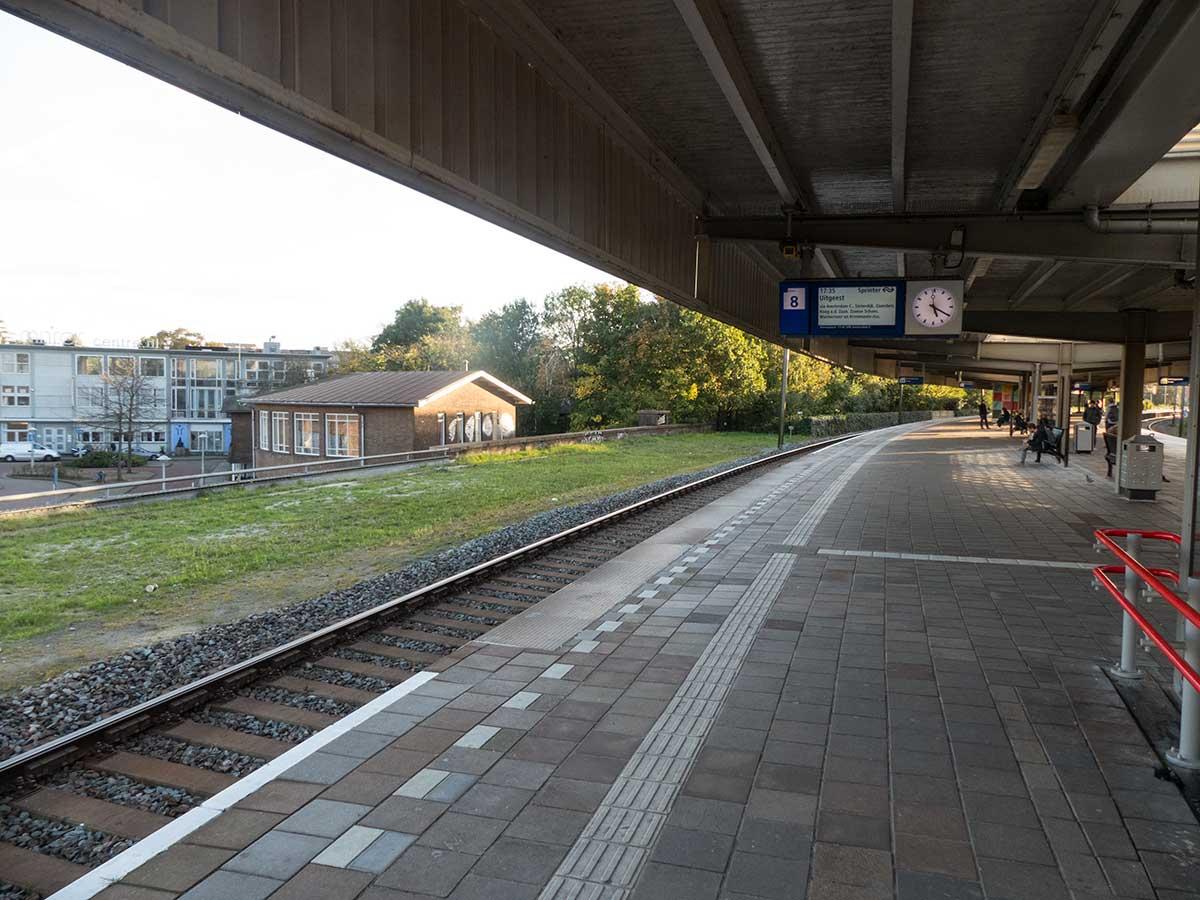 Perron van spoor 8