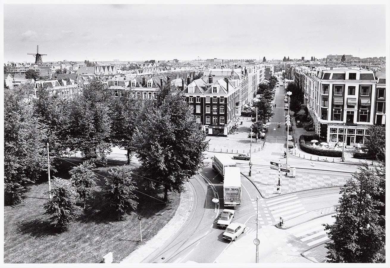 Foto vanuit toren Tropenmuseum op Commelinstraat
