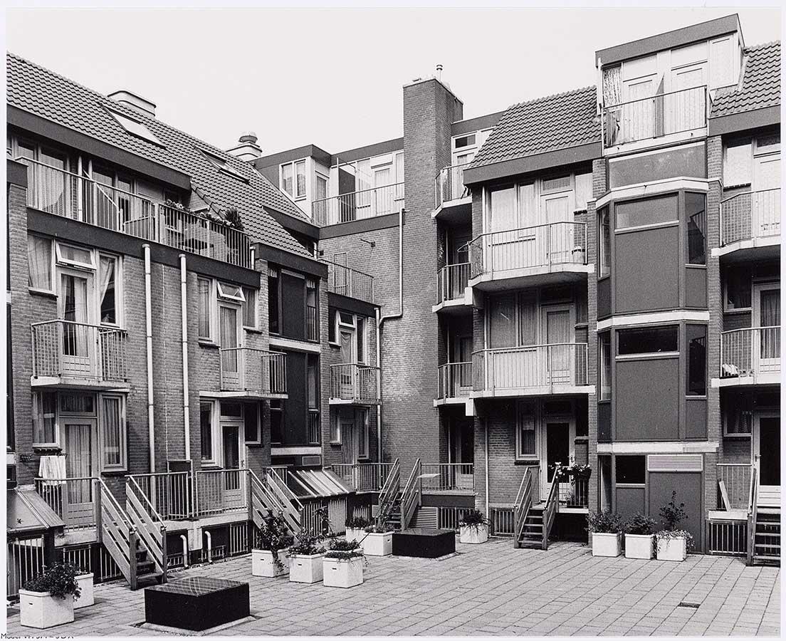 Binnenplaats Commelinstraat/Wagenaar, hoekje Commelinstraat