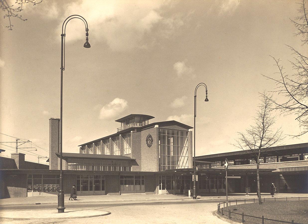 Het nieuw gebouwde Station Muiderpoort